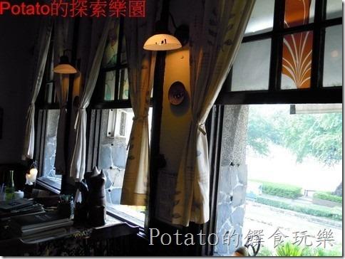 《台南咖啡館》真的是好窄的【窄門咖啡】