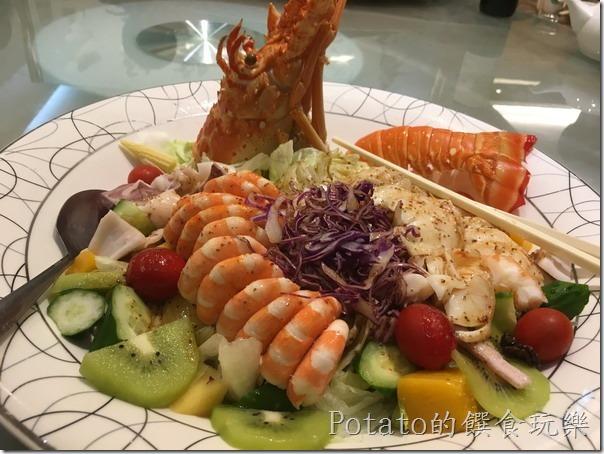 闔家歡餐館的龍蝦沙拉