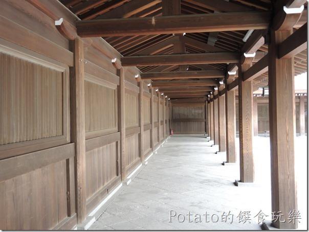 明治神宮的廊道