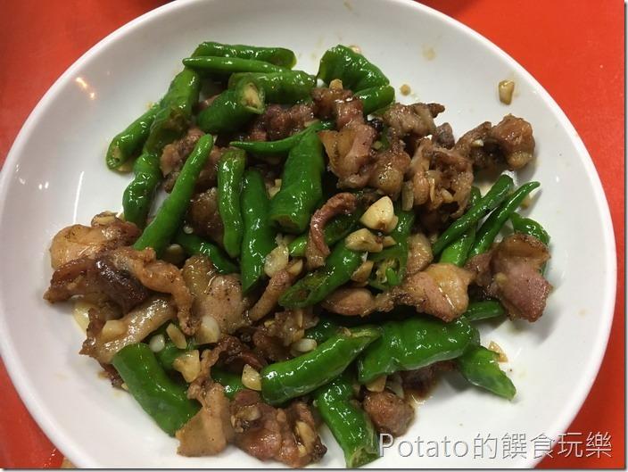 台南竹仔店海鮮燒烤辣炒鹹豬肉