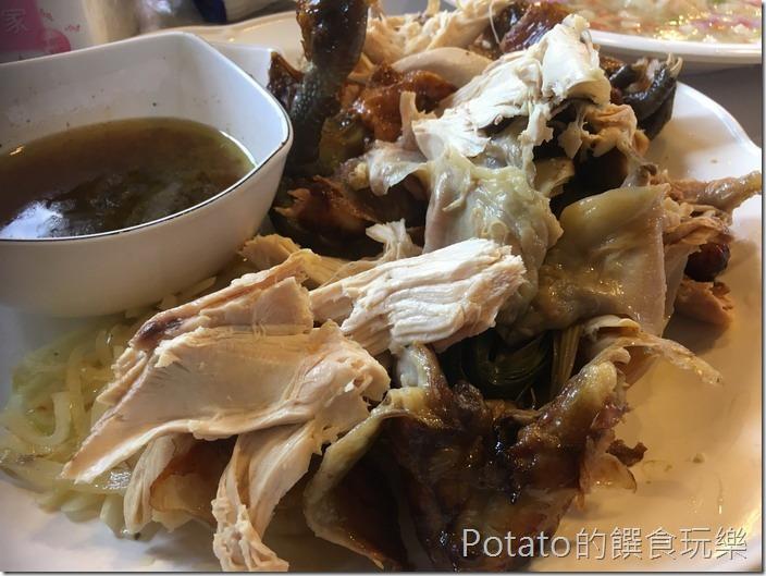 宜蘭壯圍大嵌城甕缸雞撕雞肉