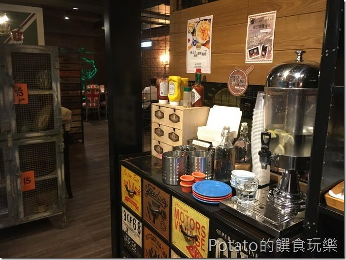 多一點咖啡美學店自助吧台