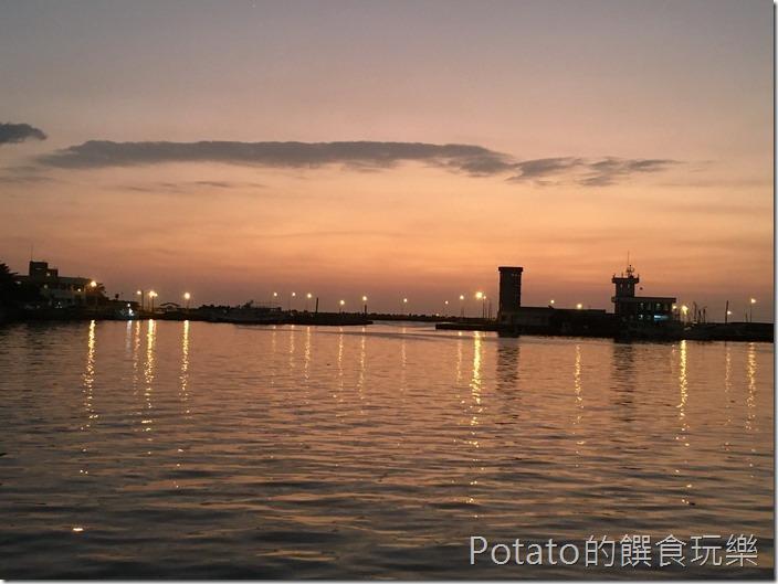 蚵仔寮漁港黃昏夕景1