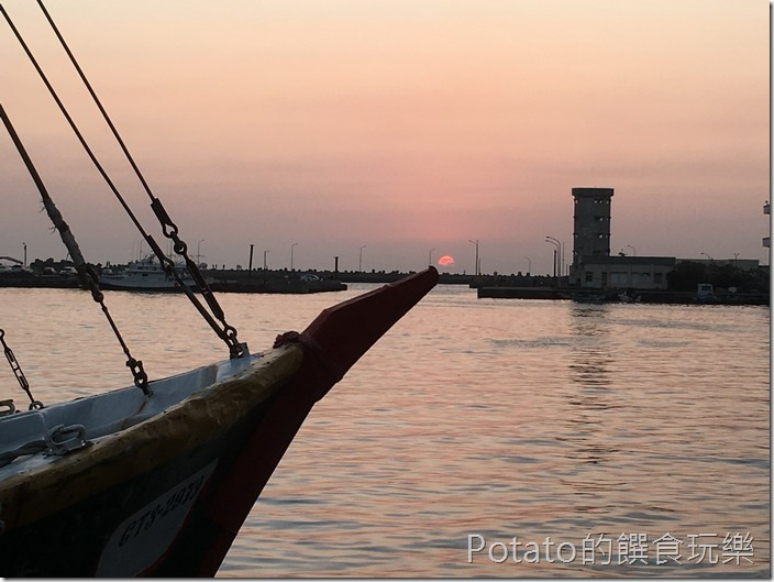 蚵仔寮漁港黃昏夕景