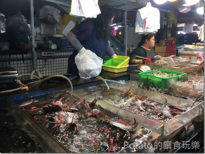 蚵仔寮漁港魚市場7
