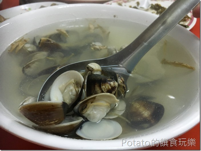 鴨肉菜餐廳蛤蜊湯
