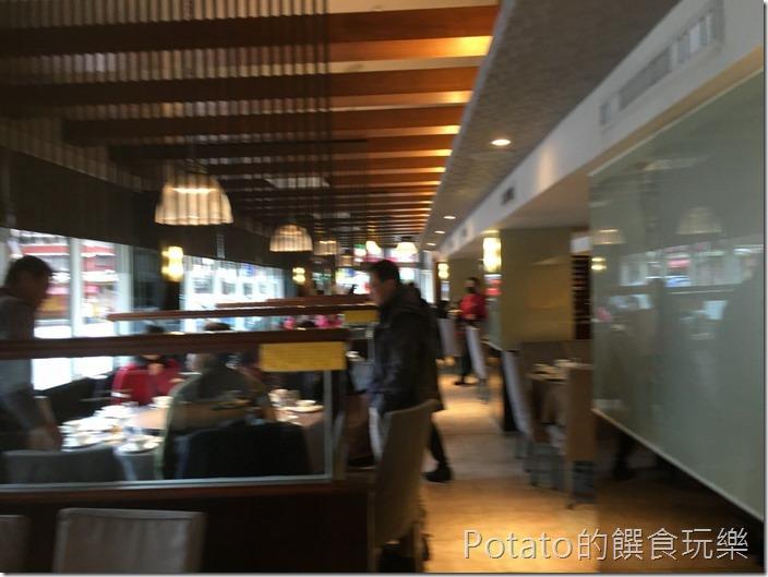 新東南海鮮餐廳店內1