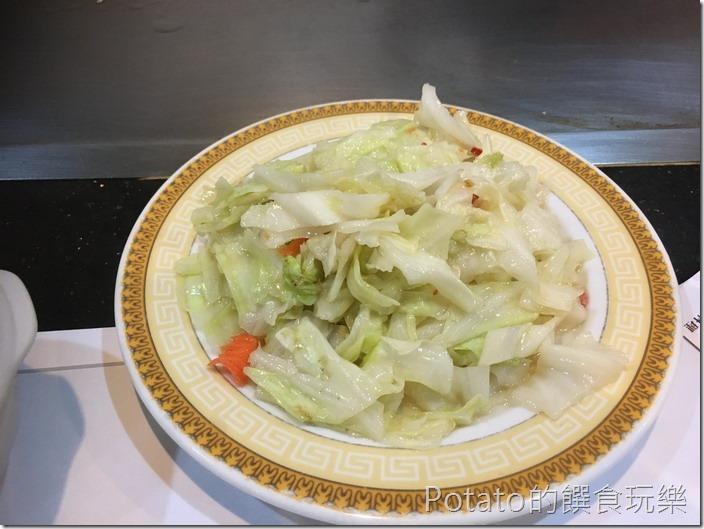 登野精緻鐵板料理高麗菜