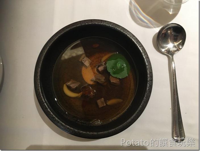 尼法法式餐廳牛肉清湯