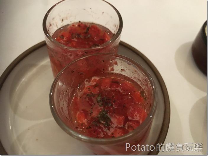 尼法法式餐廳草莓汁