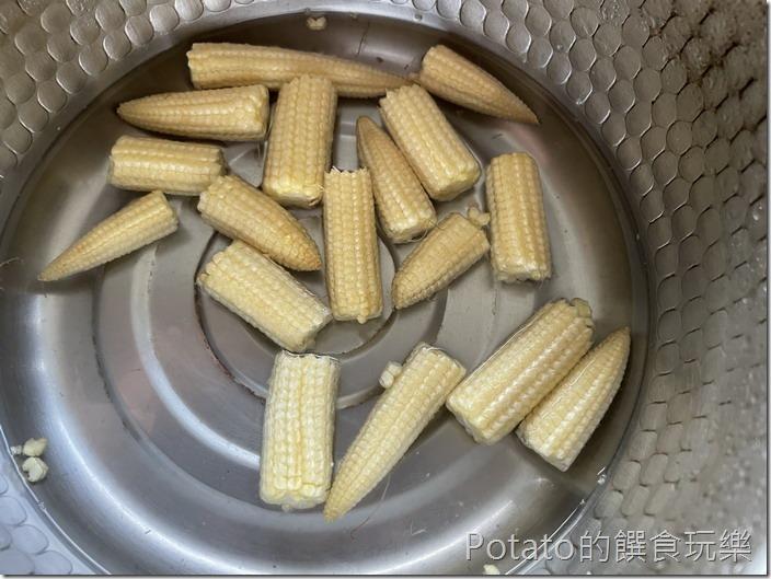 剝皮辣椒雞湯麵22