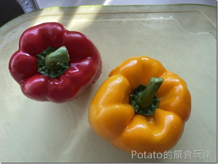 酸白菜彩椒麵備料1