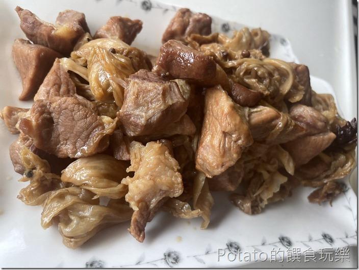 高麗菜乾滷肉