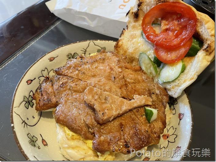 小璋炭烤輕食豬排漢堡2